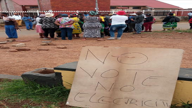 No electricity no vote, vow Naledi residents in Soweto